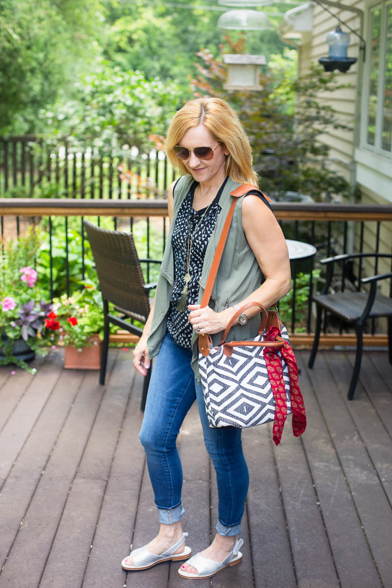 Casual Summer Look with Calla Silver Sandals