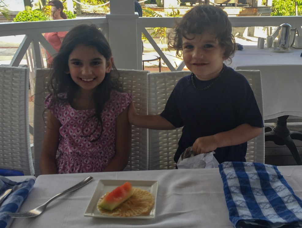 Dining with Hypothyroidism at Beaches Resort in Turks and Caicos #thyroid #thyroidhealth #hypothyroid #hypothyroism #hashimotos #dietaryrestrictions #restaurantsatbeaches #beachesmoms #beachesturksandcaicos #beachesresorts #schooners
