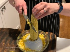 Remove the kernels from the cob