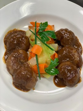 Devilled Lamb Kidneys with Puff Pastry & ribbon vegetables