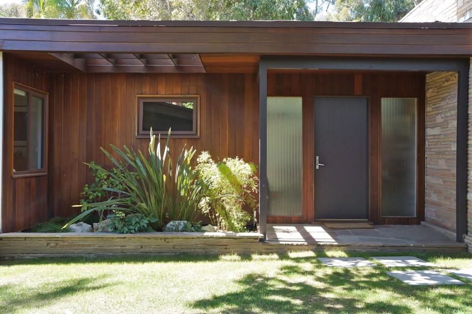 vintage modern home exterior