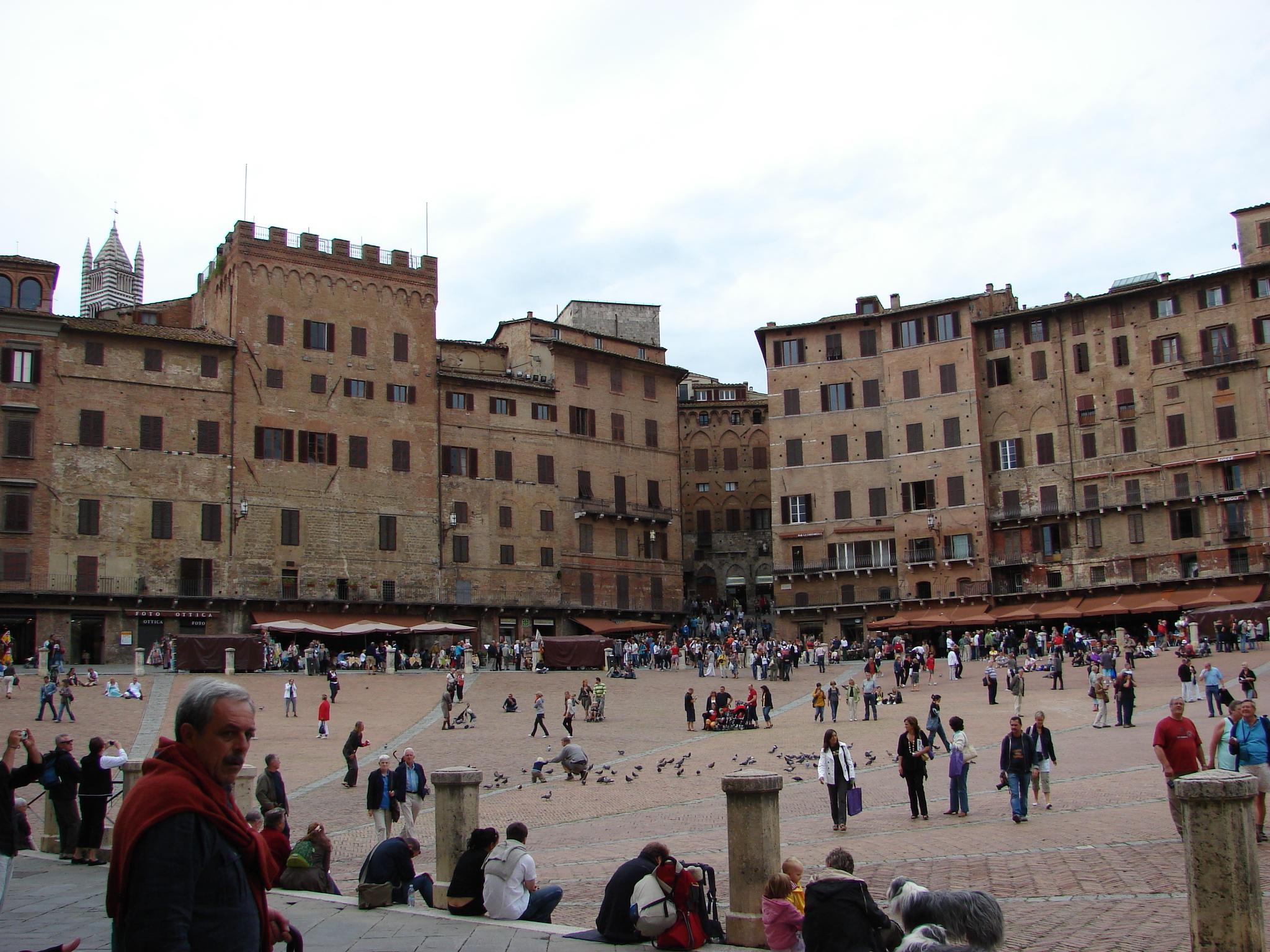 Sienna's Piazzo del Campo