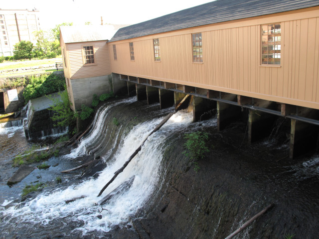 Weir at Lowell, USA