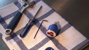 Εργαλια αλλαγη μιχανισμο μπαταρίας μπάνιου, νιπτήρα