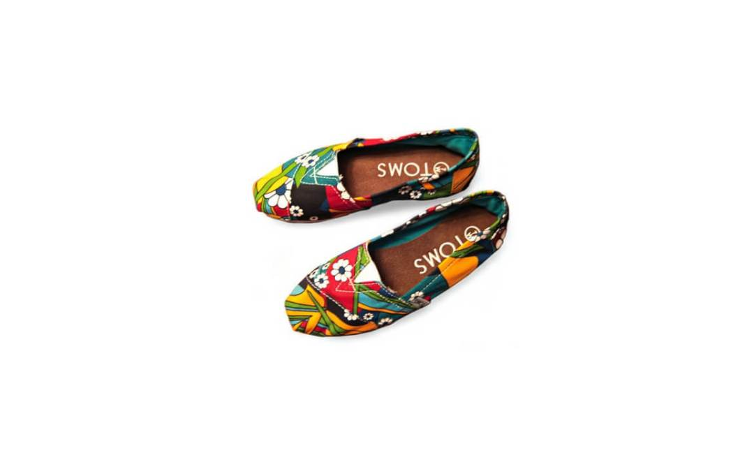 TOMS Shoes – How awesome, how smelly, and how to wash them!
