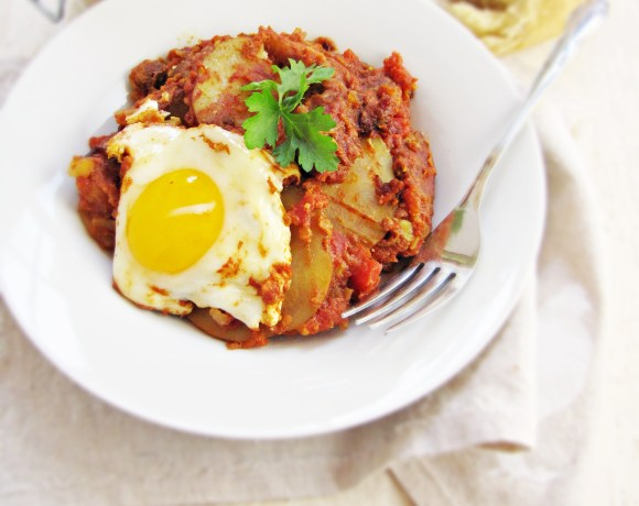 Greatist Collaboration: Shakshuka with Sausage and Potatoes