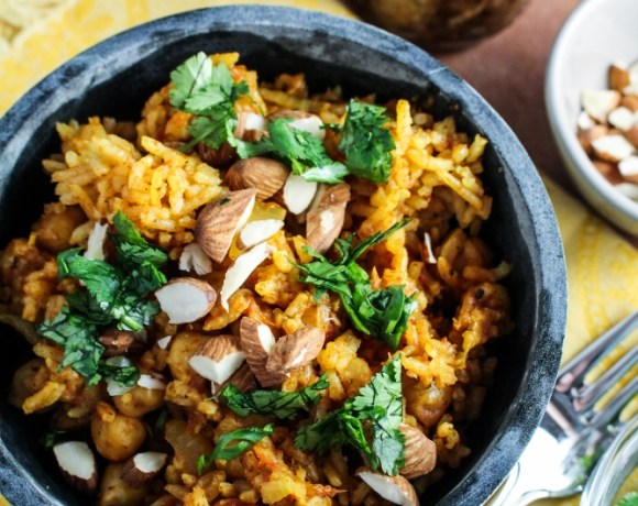 Monthly Fitness Goals: February // Pakistani Chickpea Pulao with Sweet Hot Date-Onion Chutney