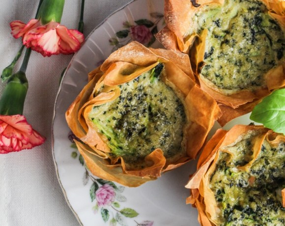 A Weekend with Friends // Zucchini-Pesto Mini Quiches in Phyllo Cups