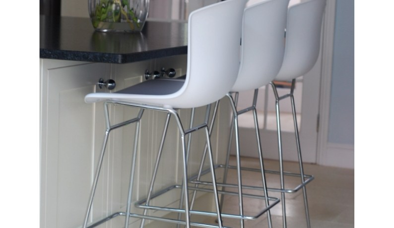 Katie loves the Knoll Bertoia Moulded Shell Barstools...