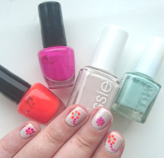 Flower Nail art - Essie Urban Jungle, MUA Pistachio Ice Cream