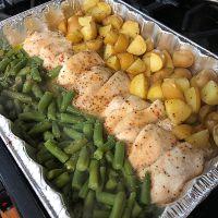 {Easy} One Dish Chicken, Potatoes and Veggies