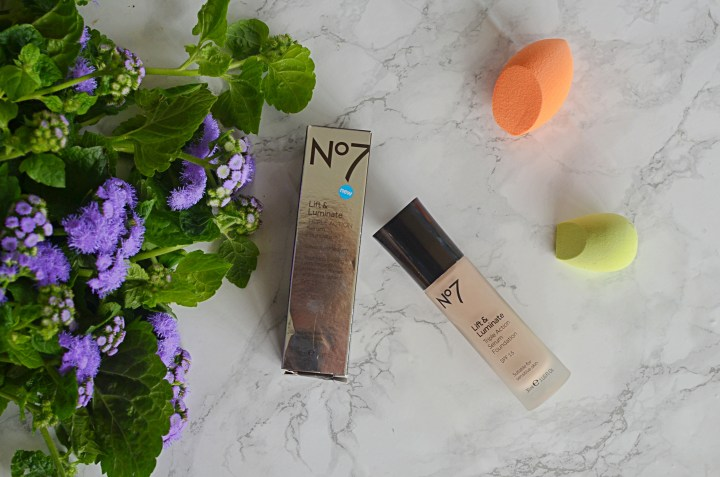 New | No.7 Lift & Luminate Foundation