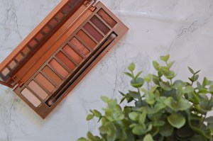 Review | Naked Urban Decay Heat Palette