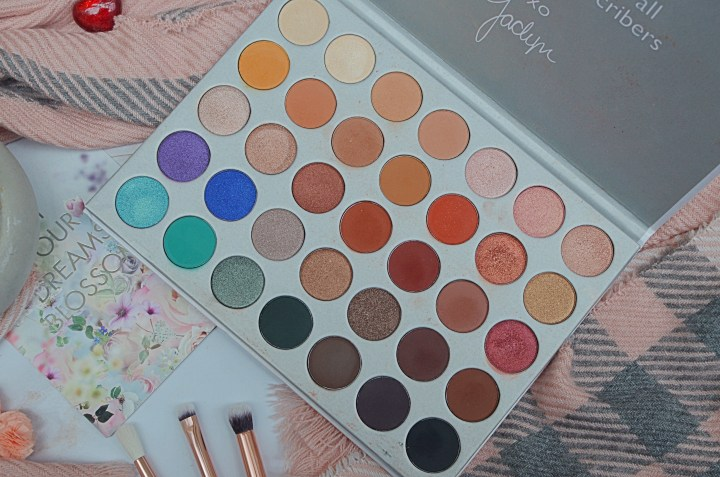 10 Eyeshadow Palettes I Can't Get Enough Of - Morphe Jacyln Hill