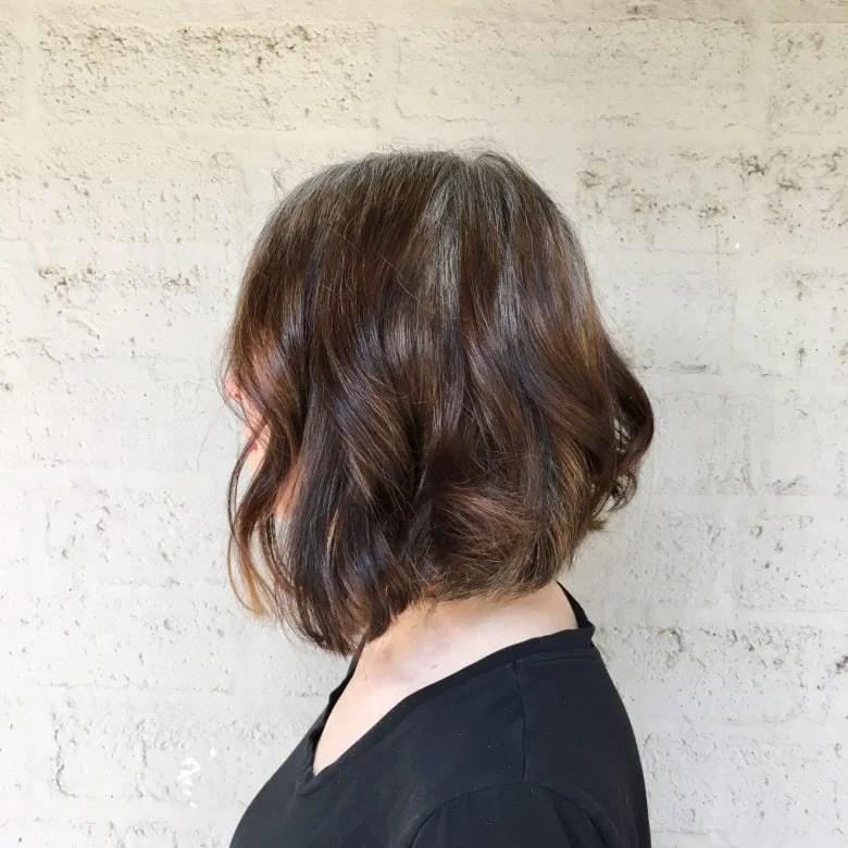 haircut wavy gray brown