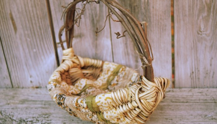 Weaving A Basket With Fabric And Vines