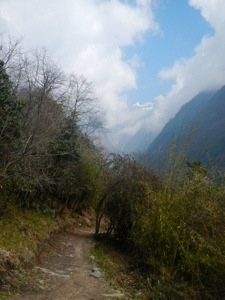 Looking into the pass, from Bamboo up to Dobhan.