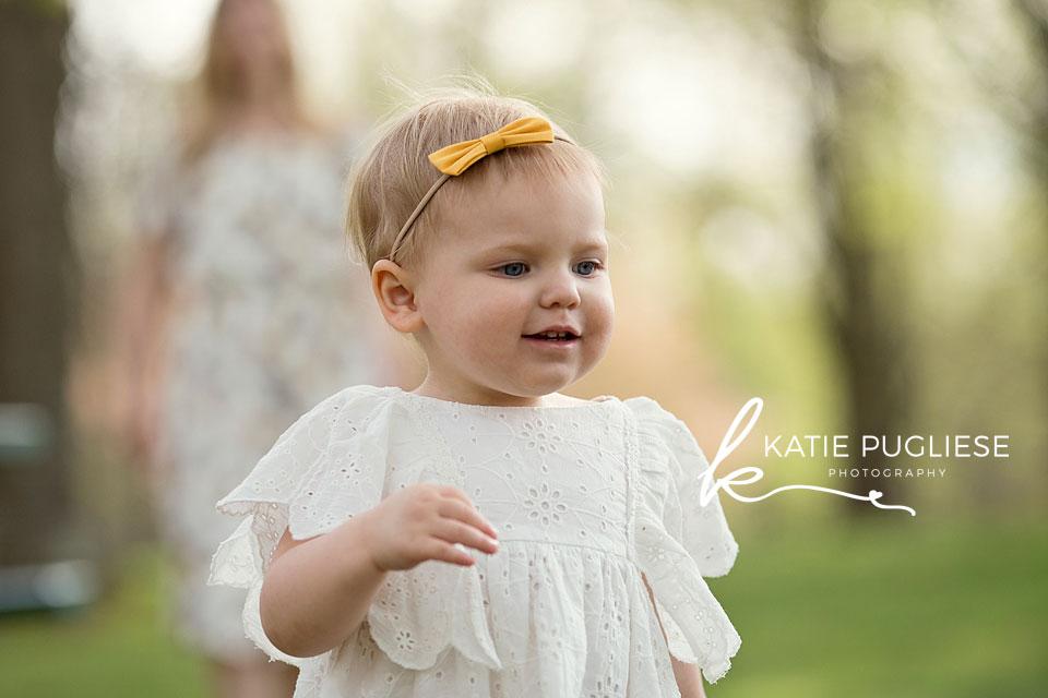 Toddler girl spring photo session