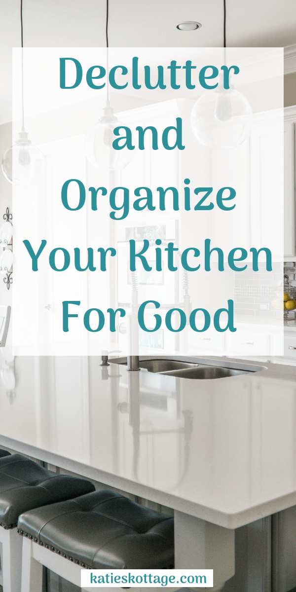 Tips to declutter your kitchen. These organization ideas will help you realize a more minimalist kitchen is the key to a clean kitchen with consistently organized countertops. #kitchen #organization #kitchenorganization #cleaningtips #kitchencleaningtips #kitchenorganization #kitchendeclutter #declutter #declutteringtips #minimalism #minimalist