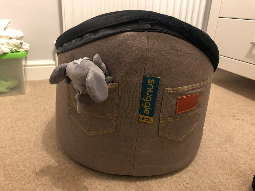 Snuggle Seat - Elephant in Pocket