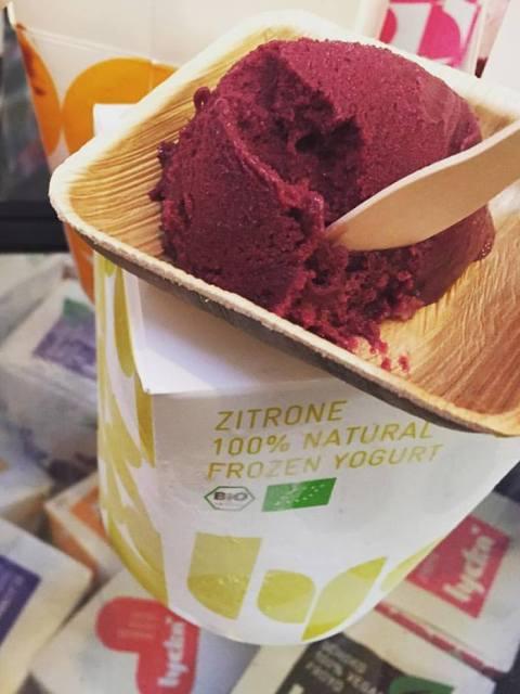 Blaubeer Frozen Yoghurt Eiscreme
