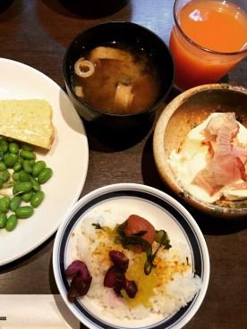 Asagohan Set: Misosuppe wird in Japan bereits zum Frühstück gegessen.