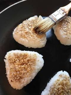 Yaki Onigiri: Reis zum Anknuspern