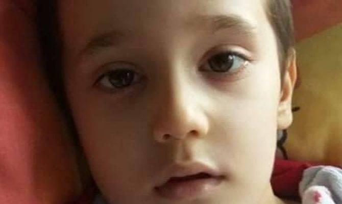 «Help for Aggelos!»: Σελίδα αγάπης για τον 5χρονο που πάσχει από καρκίνο του εγκεφάλου