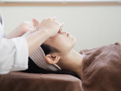 頭痛と首コリ、肩コリと鍼灸