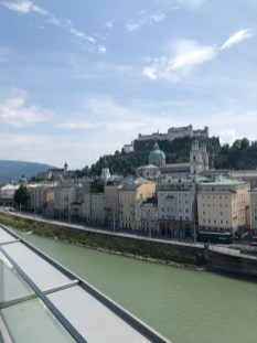 Blick auf Salzach und Salzburg im Seven Senses