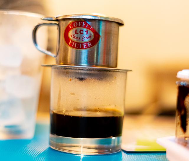 ドリッパーで淹れるコーヒー