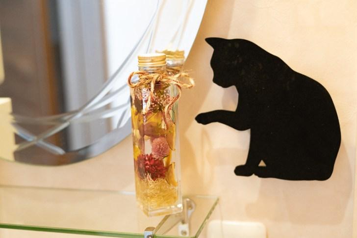 すてきなハーバリウムには猫ちゃんが!