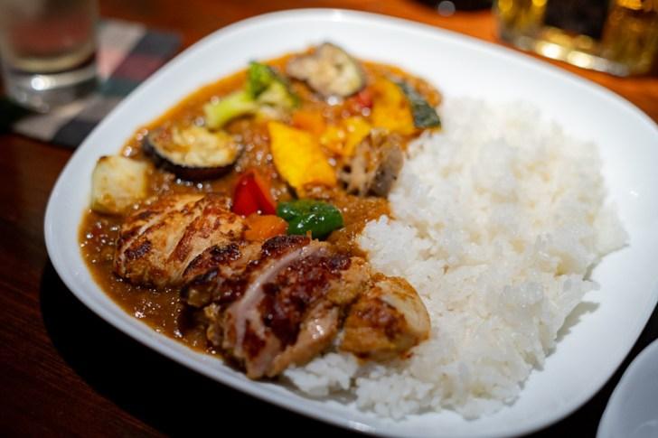 野菜たっぷりひき肉カレータンドリー付き¥1100