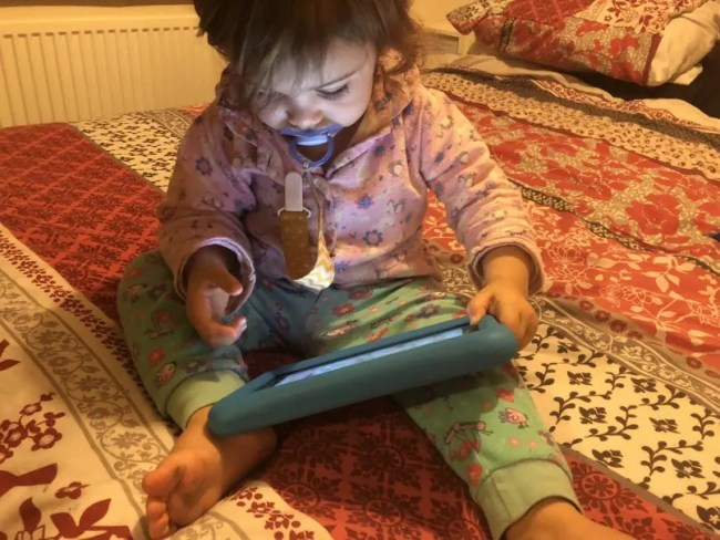 Living Arrows 1/52 - Daisy playing on her tablet