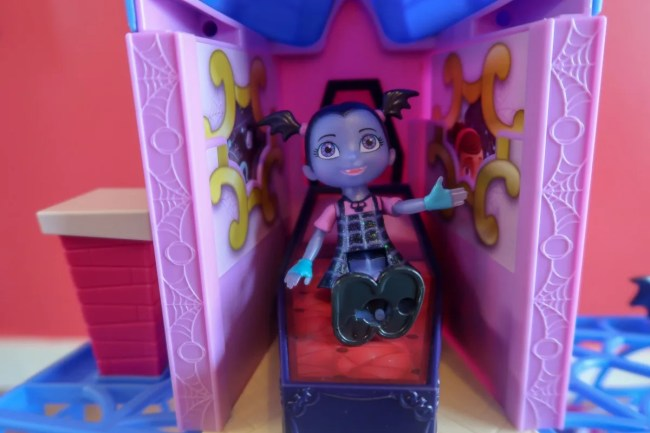 Vampirina Inside the Scare B&B