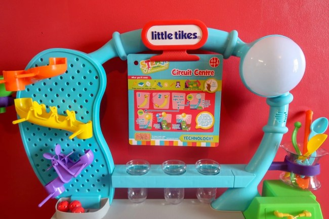 The Wonder Lab from Little Tikes