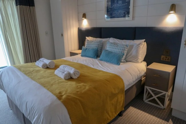 Centerparcs Waterside Lodge Review - A look at a double bedroom