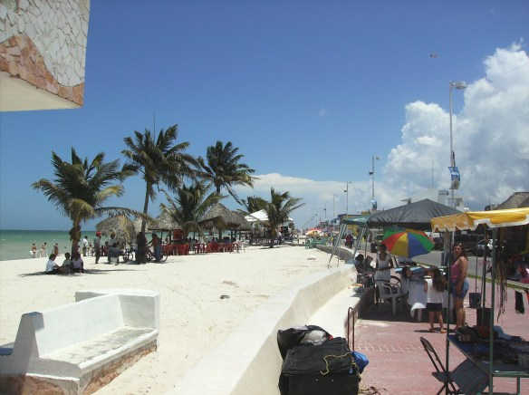 Progreso beachfront. Wikimedia Create Commons