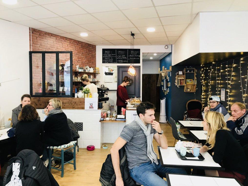 Cafe_moustache_rouen-08