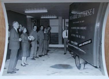 1991 Queen and staff with van 27.02.91