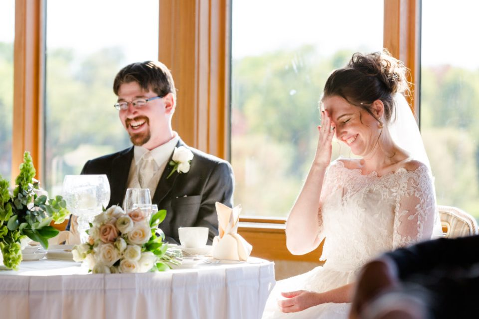How to give the perfect wedding speech | Advice and Ideas for the Maid of Honor Speech and Best Man Speech | Photo by Katzie and Ben Photography www.katzieandben.com
