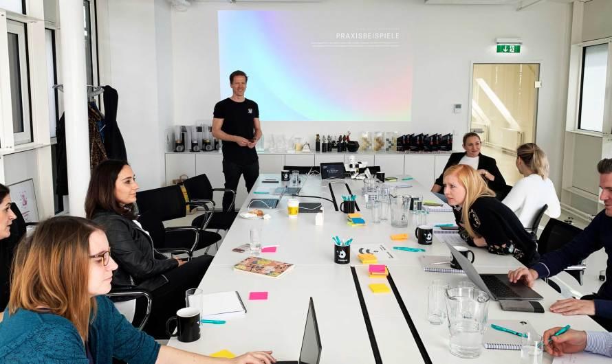 Erster iab austria Weiterbildungslehrgang für Artificial Intelligence