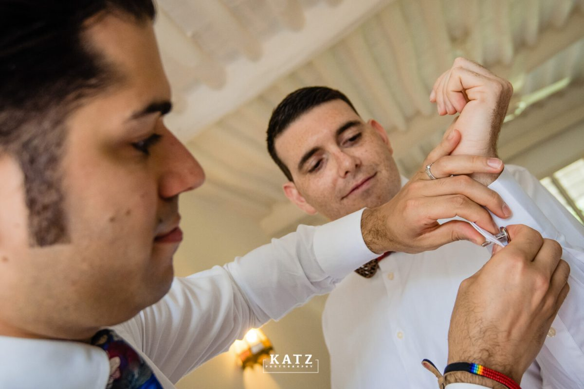9 groom and best man getting ready kenyan wedding photographer katz photography