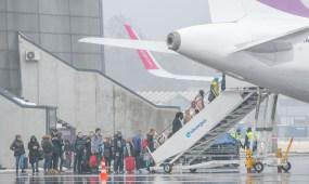 Wizzair lėktuvas, oro uostas, emigracija