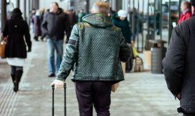 Keleivis autobusų stotyje