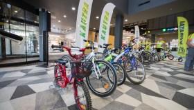 Išdalino kauniečių dovanotus dviračius vaikams