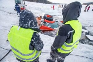 Traktoriaus traukimo operacija iš Lampėdžių ežero