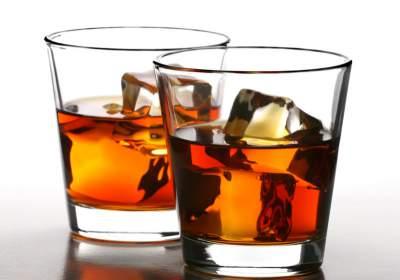 Specialistai ragina per šventes alkoholiu nepiktnaudžiauti