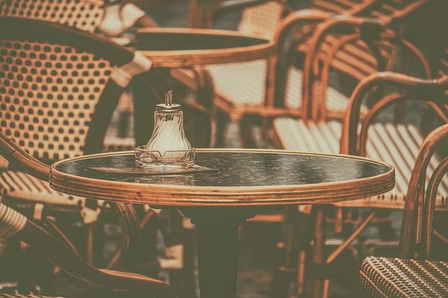 Kokie lauko baldai naudingi?