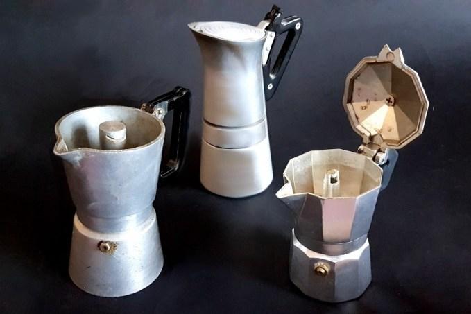 További retro kávéfőzők a spájzban